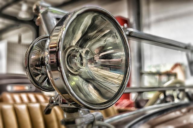 kulaté světlo auta