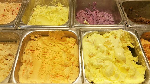 nádoby se zmrzlinou