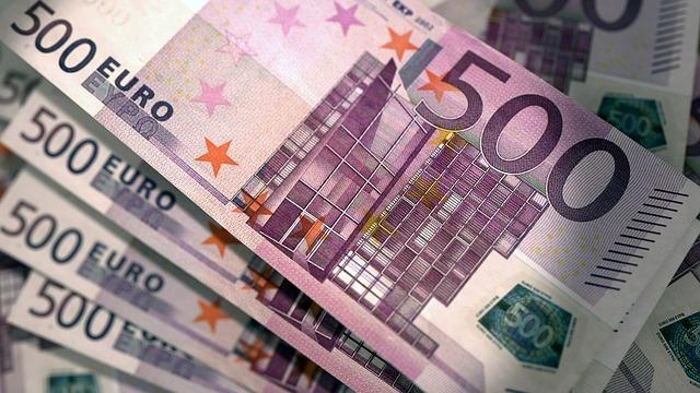 fialové eura